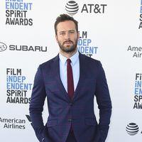 Armie Hammer se convierten en el hombre más elegante de los Independent Spirit Awards