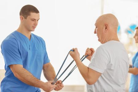 Así actúa un fisioterapeuta en el tratamiento del cáncer