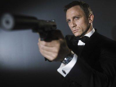 En la carrera por el contenido propio: Apple está pujando por quedarse con los derechos de James Bond