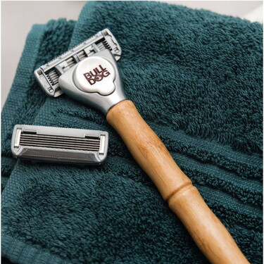 BULLDOG lanza su maquinilla de afeitar con mango de bambú para poner a punto tu vello facial en #Movember