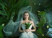 Kirsten Dunst vestida de novia pero sin pasar por la vicaria: ¿eso cómo es?
