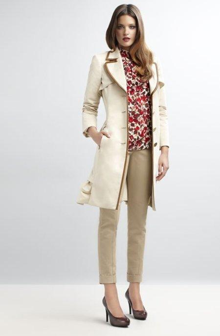 Abrigo blanco entallado