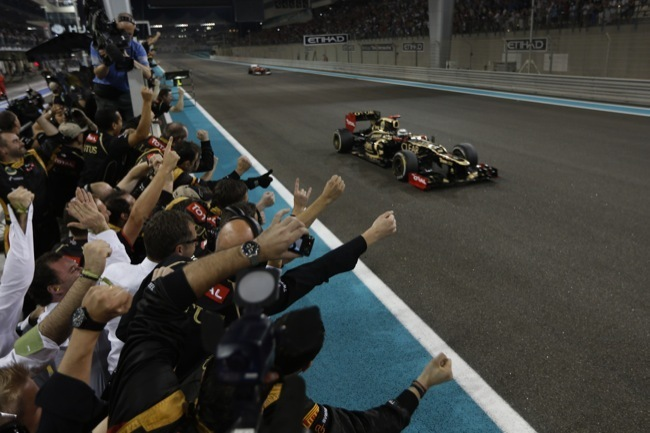 Salida del GP de Abu Dhabi 2012