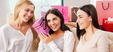 Siete ideas de regalos de Navidad para embarazadas y sólo para la embarazada (no para su bebé)