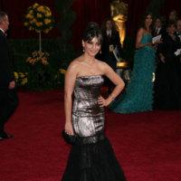 Mónica Cruz y Goya Toledo en la alfombra roja de los Oscar 2009