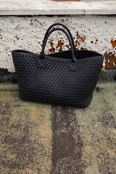 La nueva colección de bolsos de Sfera promete colarse en la mente (y el armario) de muchas con modelos por menos de 40 euros