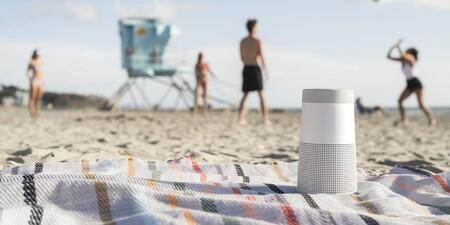 Bose actualiza su gama de altavoces Bluetooth con el nuevo SoundLink Revolve II, un modelo portátil para usar en exteriores