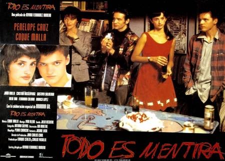 'Todo es mentira': 25 años de la comedia maldita del cine español