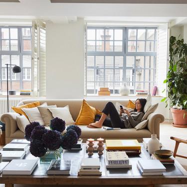 El último editorial de Zara Home nos muestra sus piezas en el luminoso loft de Londres de Alex Eagle