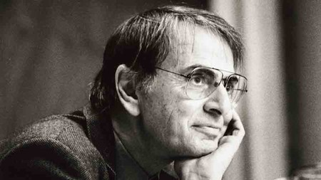 Carl Sagan temía que nos encamináramos hacia la sinrazón, tal y como hemos hecho