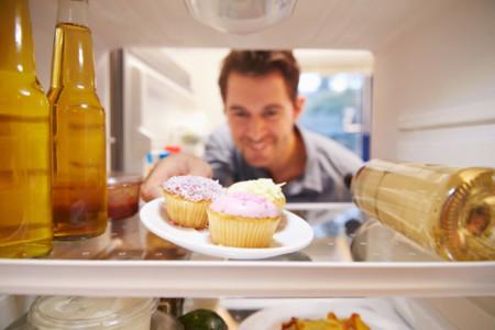 Para tratar la obesidad, podría ser útil mantener alimentos lejos de nuestra vista