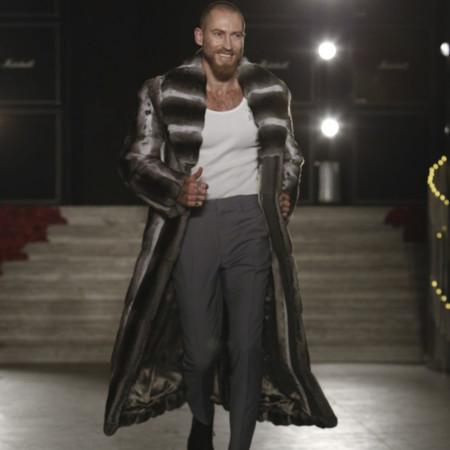 Fur, bespoke y Haute Couture: así es el debut de Justin O'Shea en Brioni