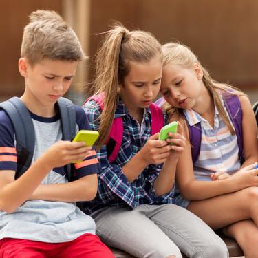 """""""Olivia"""", el viral de WhatsApp con contenido pornográfico que busca engañar a los más jóvenes"""