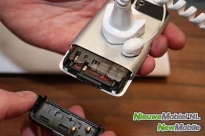 HTC Legend: batería, SIM y tarjeta de memoria tras un cuerpo de aluminio