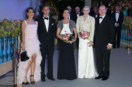 Mónaco celebra el Baile de la Rosa y Charlotte Casiraghi es el centro de atención