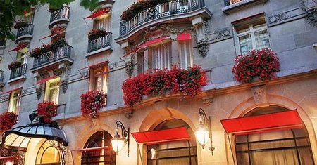 Un lujo de Navidad: Disney en el Hotel Plaza Athenee de Paris