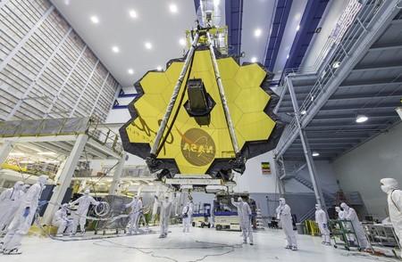 Por primera vez podemos ver en todo su esplendor el enorme telescopio espacial James Webb, el sucesor del Hubble