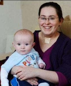 Una madre en coma despierta al oír el llanto de su bebé