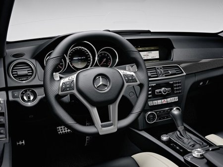 C63 AMG Detalle interior