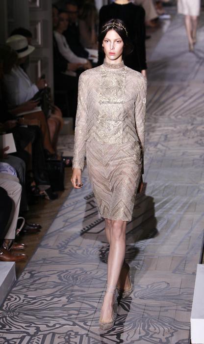 Foto de Todas las imágenes de Valentino Alta Costura Otoño-Invierno 2011/2012 (32/37)