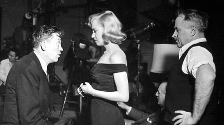 John Huston, Marilyn Monroe y Harold Rosson en el rodaje de