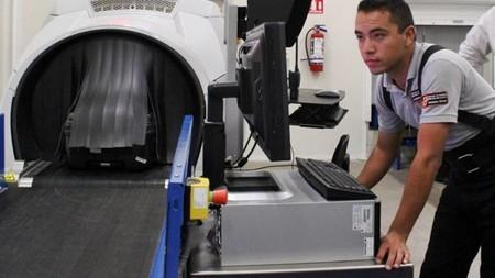 Policía Federal decomisa en el aeropuerto de Ciudad de México una tabla de surf rellena con metanfetaminas
