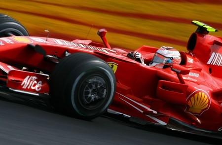 Kimi Räikkönen pudo firmar ayer su contrato con Ferrari