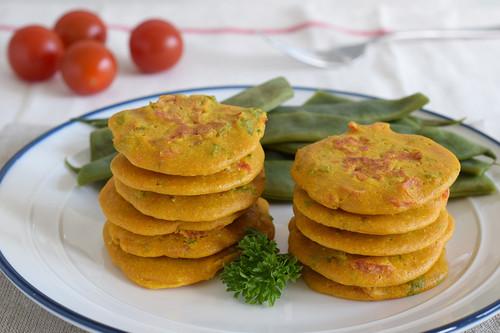Mini tortitas saladas de harina de garbanzos: receta saludable vegana y sin gluten