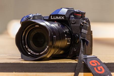 Panasonic Lumix G9, Sony A7 II, Canon EOS 800D y más cámaras, objetivos y accesorios en oferta: Llega Cazando Gangas