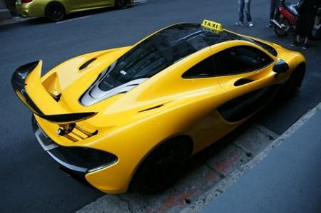 Y esto es un McLaren P1 para servicios de taxi