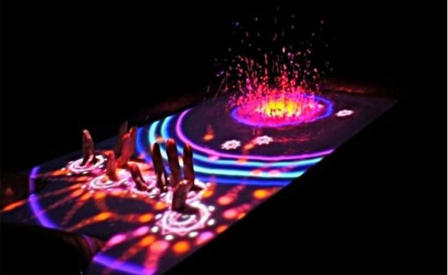 Aquatop Display, usa el agua de tu bañera como pantalla multitáctil con Kinect