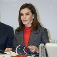 El abrigo tricolor de la Reina Letizia es todo un clásico de sus looks de invierno