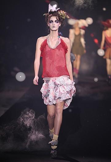 Foto de John Galliano, Primavera-Verano 2010 en la Semana de la Moda de París (10/14)