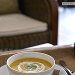 Crema de calabaza y lentejas rojas al curry. Receta de otoño