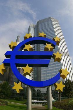 Los bancos centrales más importantes bajan los tipos de interés