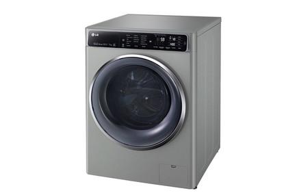Esta lavadora de LG permite lavar y secar al mismo tiempo y además la podemos controlar a distancia