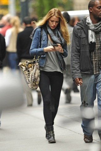 Blake Lively look calle