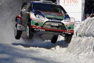 Mikko Hirvonen le da a Ford la primera victoria con los nuevos WRC