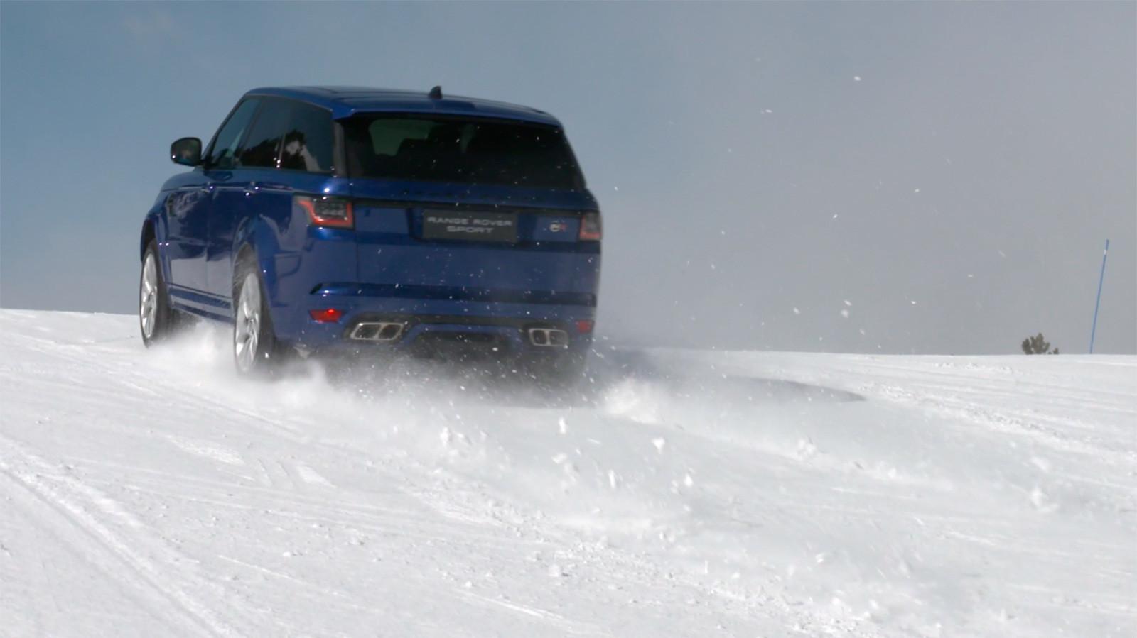 Foto de Curso de conducción en nieve de Jaguar Land Rover (14/28)
