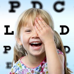 Cinco signos precoces que pueden alertar de problemas visuales en los niños