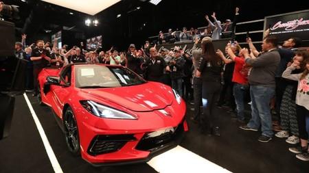 El primer Chevrolet Corvette C8 producido fue vendido por 3 millones de dólares