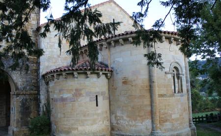 El Parador de Cangas de Onís en Asturias, el monasterio y sus curiosidades
