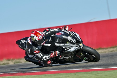 Jonathan Rea y Kawasaki lideran los test de Superbike en Motorland Aragón