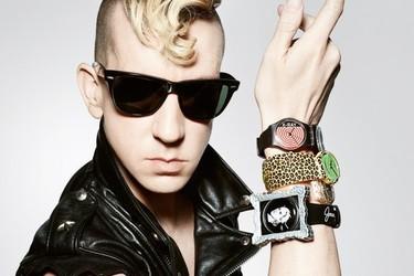 Si llevas un Jeremy Scott para Swatch este Otoño-Invierno 2011/2012, estarás deseando que te pregunten la hora