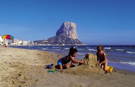 Cinco destinos de playa para ir con niños (I): Calpe