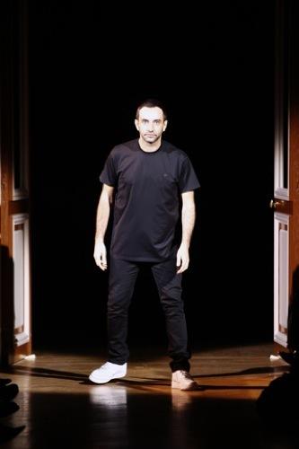 Givenchy Alta Costura Primavera-Verano 2010: una colección dominada por las transparencias. Ricardo Tisci