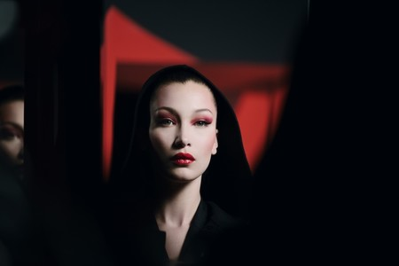 Bella Hadid Dior Halloween Makeup03