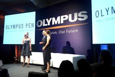 Olympus descubre sus cartas: La E-P3 encabeza la tercera revolución PEN