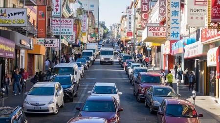 California y otros 16 estados demandan al Gobierno de Trump por relajar las normas de emisiones