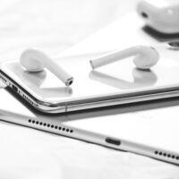 Los AirPods 3 se presentarán junto al iPhone 13, y tiene toda la lógica del mundo: Rumorsfera